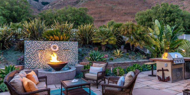 236 Foothill Rd Pismo Beach CA-035-026-Fire Pit Water Feature-MLS_Size