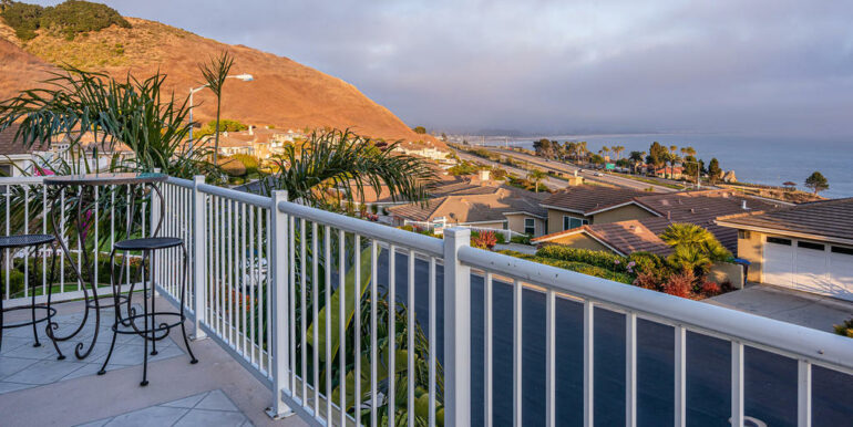 236 Foothill Rd Pismo Beach CA-045-005-Balcony-MLS_Size