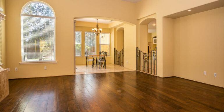 2055 Idyllwild Pl Arroyo-009-009-Living Room-MLS_Size