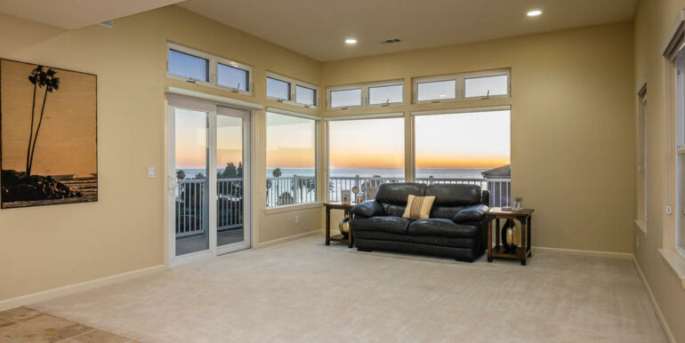 172 Foothill Rd Pismo Beach CA-006-003-Living Room-MLS_Size