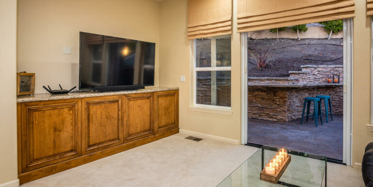 172 Foothill Rd Pismo Beach CA-010-011-Family Room-MLS_Size