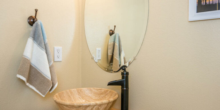 172 Foothill Rd Pismo Beach CA-018-017-Powder Room-MLS_Size