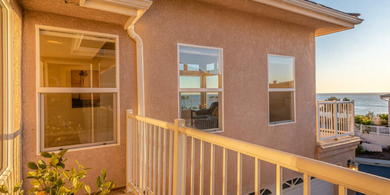 172 Foothill Rd Pismo Beach CA-022-021-Master Suite Balcony-MLS_Size