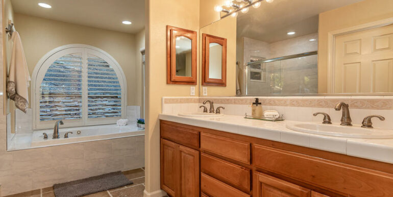 172 Foothill Rd Pismo Beach CA-023-025-Master Suite-MLS_Size