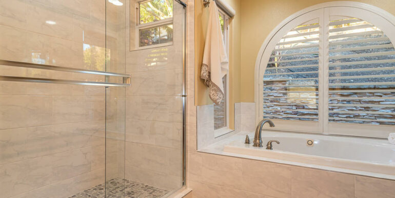 172 Foothill Rd Pismo Beach CA-024-027-Master Suite-MLS_Size