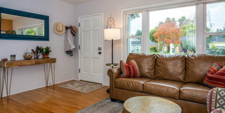 653 Caudill St San Luis Obispo-002-001-Living Room-MLS_Size