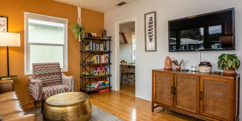 653 Caudill St San Luis Obispo-003-004-Living Room-MLS_Size