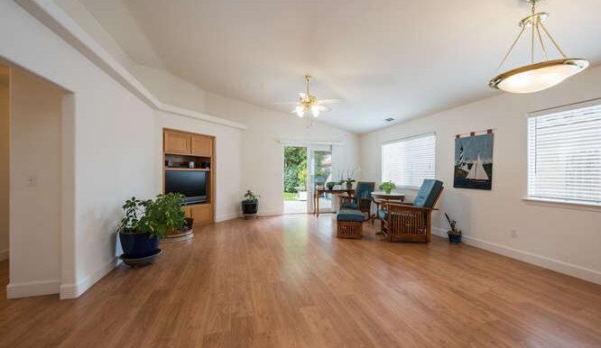 1154 Marseille Ct Grover Beach-small-023-029-Living Room-666x444-72dpi
