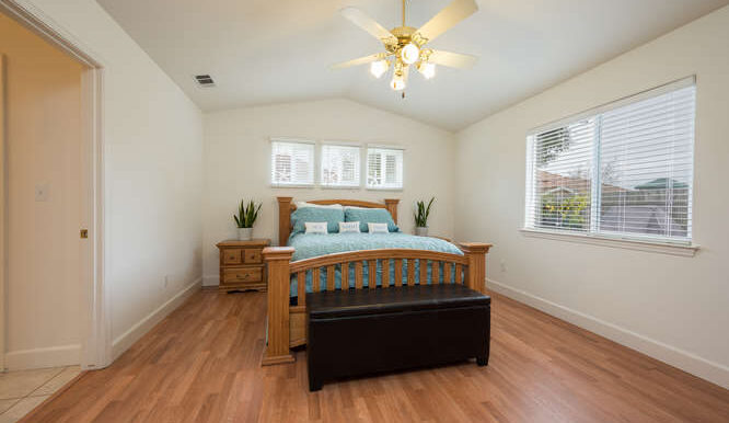 1154 Marseille Ct Grover Beach-small-032-024-Master Bedroom-666x444-72dpi