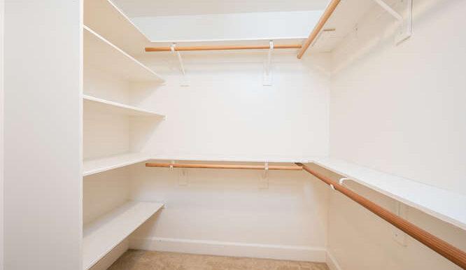 1154 Marseille Ct Grover Beach-small-035-021-Master Closet-666x444-72dpi