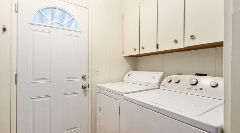 2300 Cienaga #22 16 Laundry Room