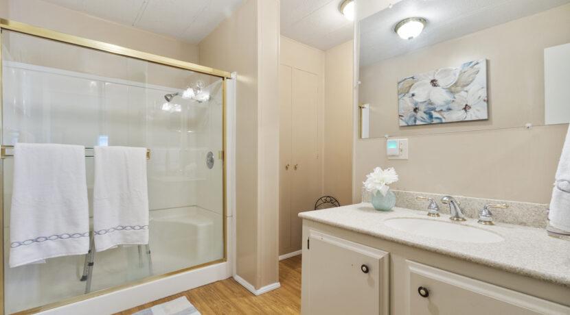 2300 Cienaga #22 22 Master Bathroom