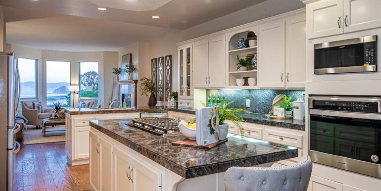 259 San Jacinto Dr Los Osos CA-014-013-Grand Kitchen With View-MLS_Size