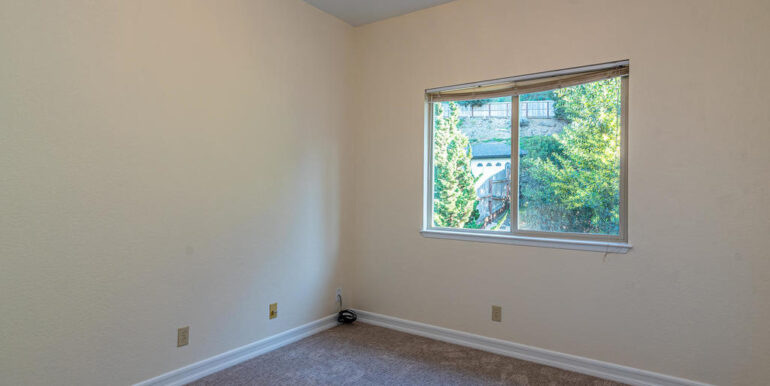 259 San Jacinto Dr Los Osos CA-043-042-The Apartment Bedroom-MLS_Size