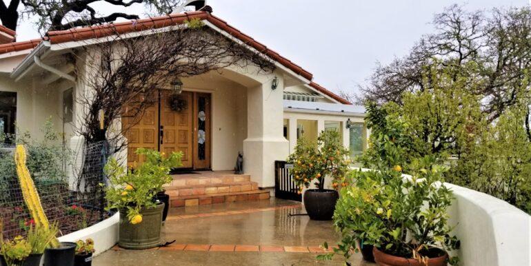 thumbnail_Santa Ana Entry