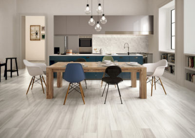 White_kitchen hardwood floors
