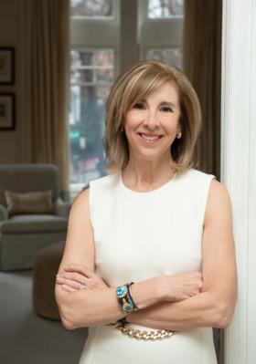 Nancy Taylor Bubes