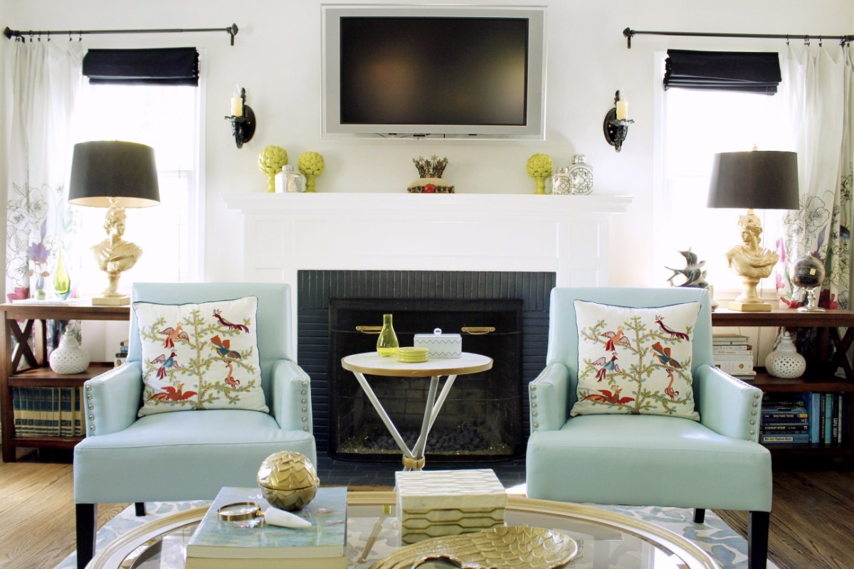 mercedes, turquoise, pasadena, interior design, hgtv, Marilynn Taylor, property sisters, art wall, lime green, sofa, painted ceiling, blue ceiling, colorful