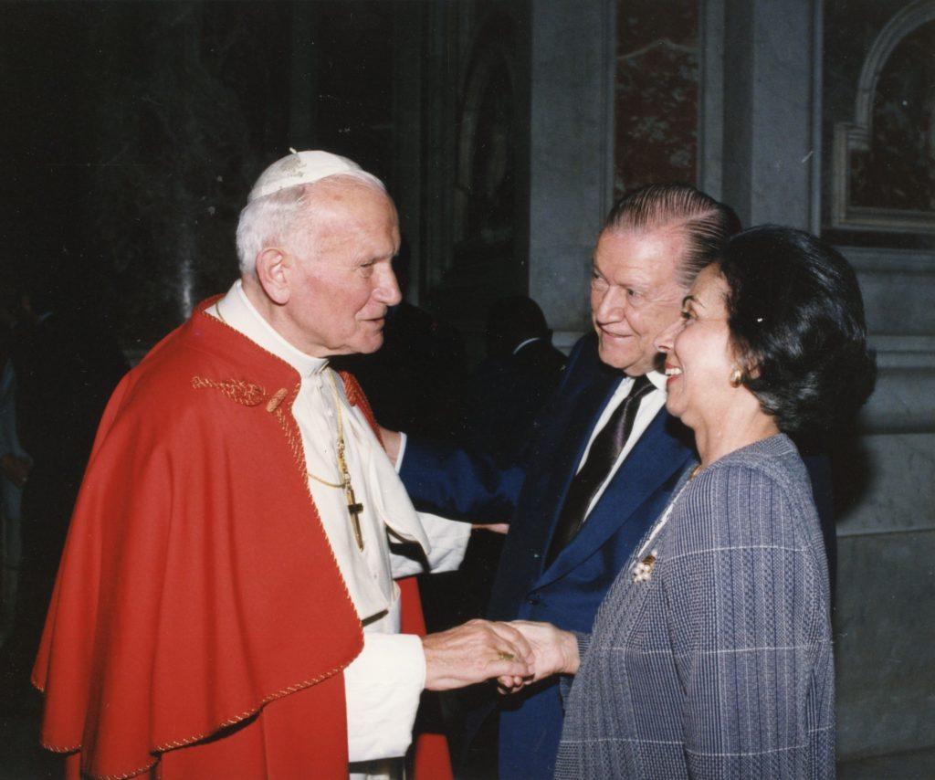 Rafael Caldera, Alicia Pietri y Juan Pablo II