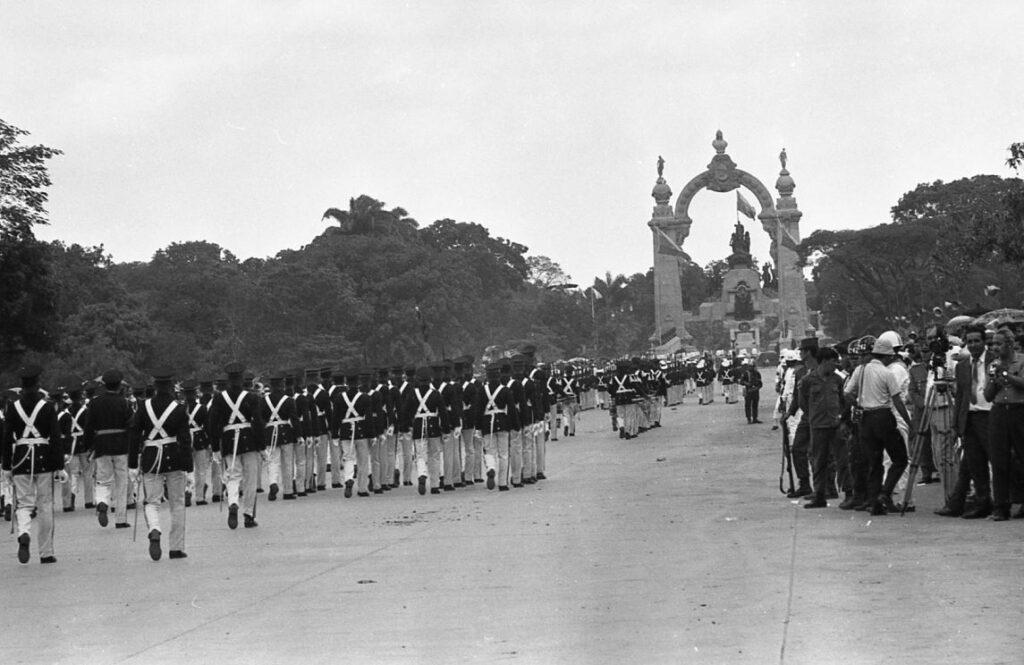 Desfile 150 años batalla de Carabobo