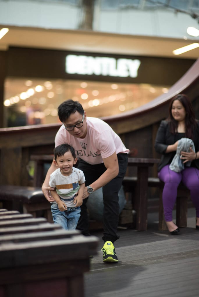003-West Edmonton Mall Santa Maria Family Portraits-