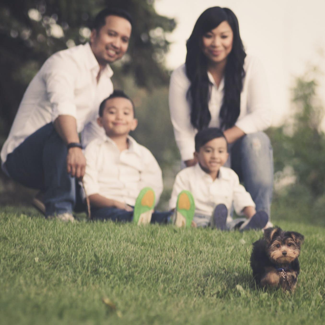 Edmonton Outdoor Family Portrait Photography Session Whitemud Park-001