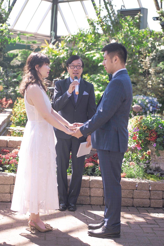 JJ spring-Edmonton-small-wedding-Muttart-venue-_0002
