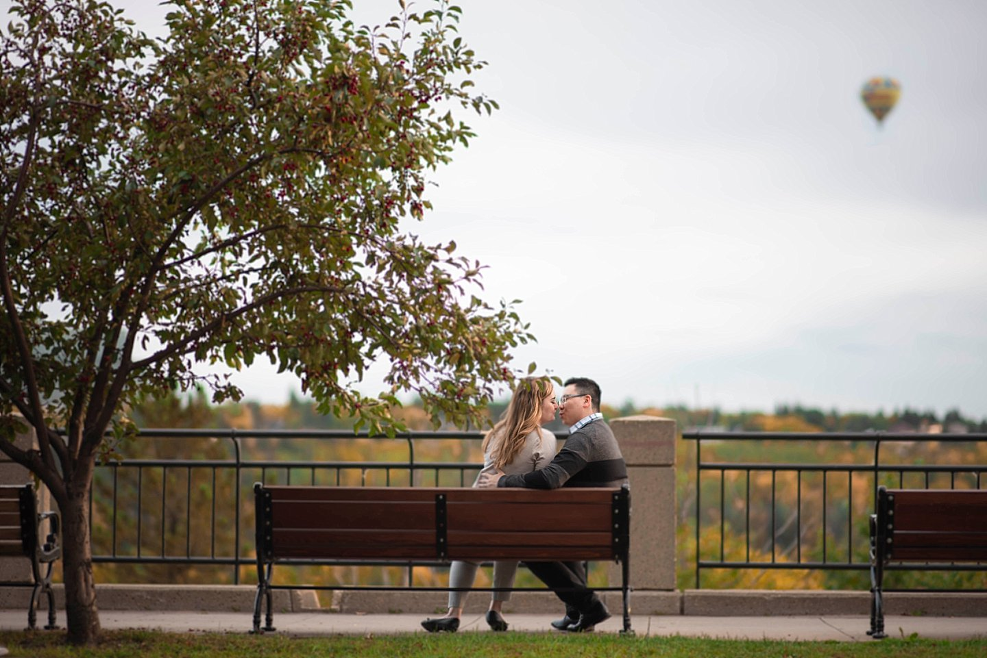 NK-edmonton-Engagement-portraits-river-valley_0010