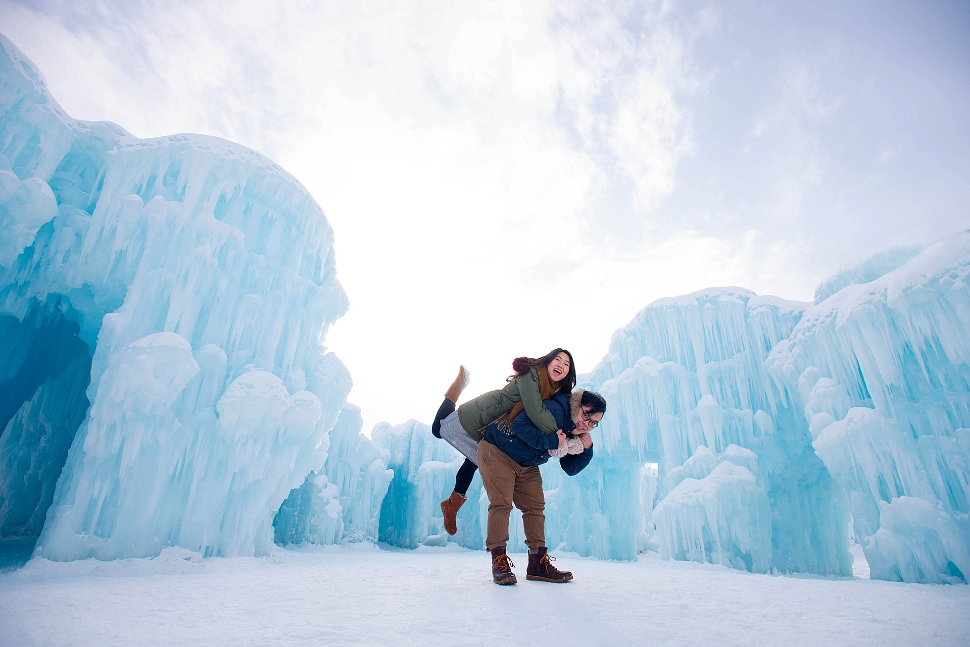 VJ-Ice-castles-engagement-photography_0010