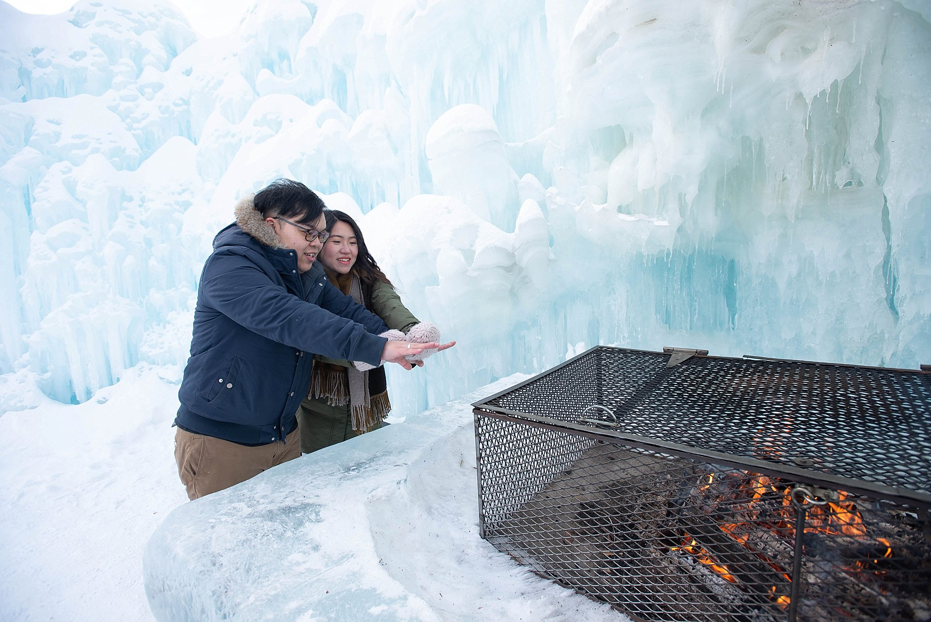 VJ-Ice-castles-engagement-photography_0011