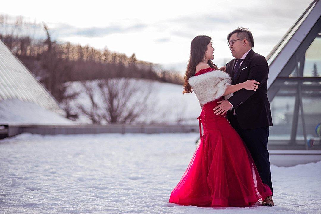 VJ-muttart-winter-engagement-pre-wedding-_0001
