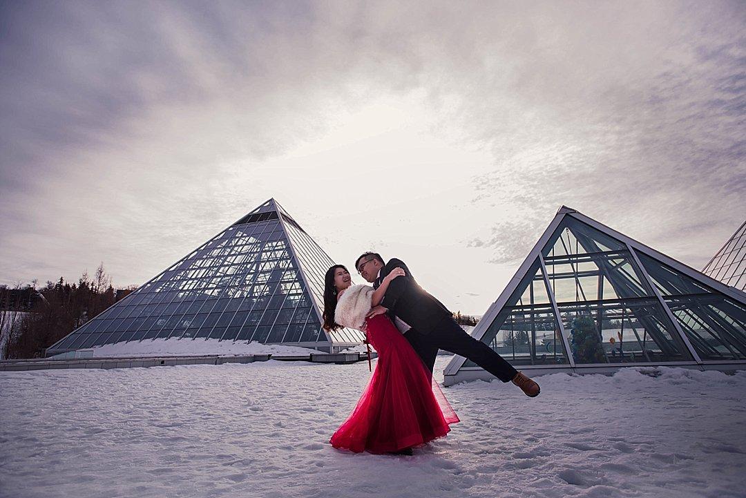 VJ-muttart-winter-engagement-pre-wedding-_0013
