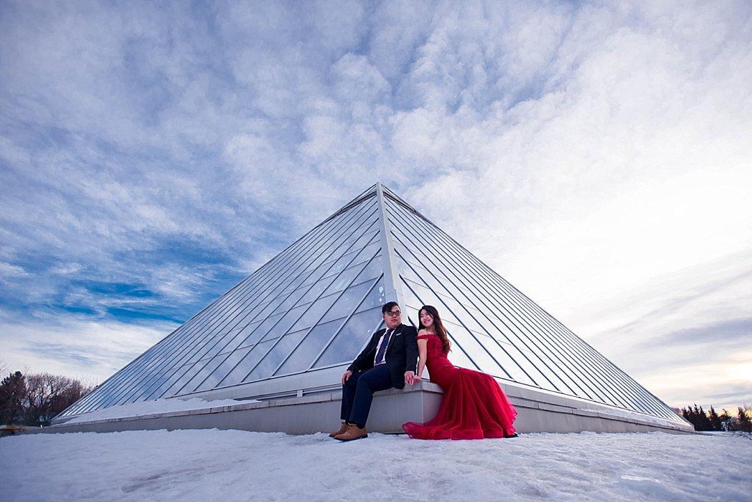 VJ-muttart-winter-engagement-pre-wedding-_0017