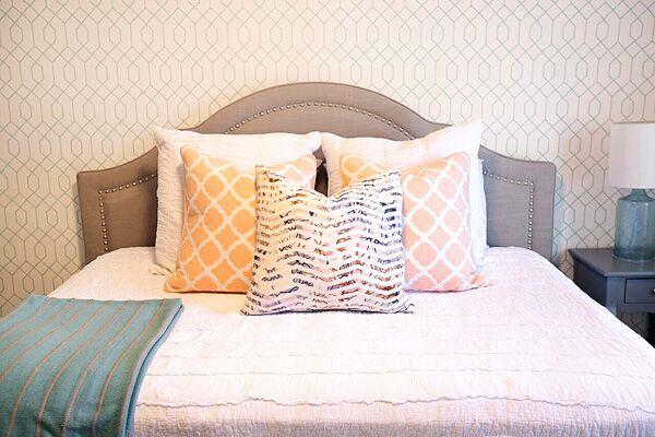 bedroompillowserika