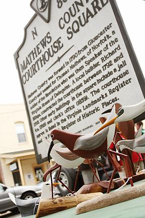 Mathews County Courthouse historical marker