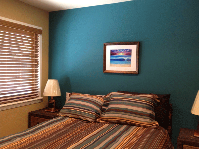 Accent Wall Draws Color from Bedding and Art