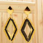 aretes dorado mostacilla negro SKU2088