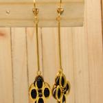 aretes dorado zircones negro SKU2313