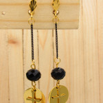 aretes dorado cristales negro SKU2320
