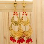 aretes dorado cristales rojo SKU2329