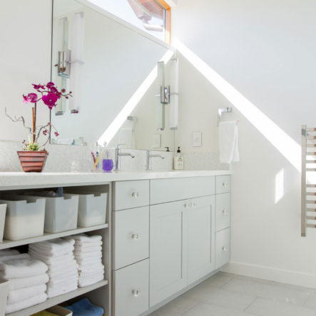 woodrow sunny bathroom