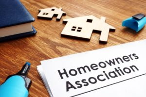 Pros and Cons of an HOA When Buying a Home in Northern Wisconsin
