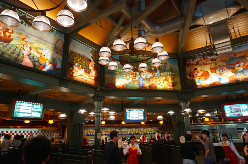 Mickey and Pals Market Cafe