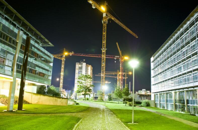 crane lighting