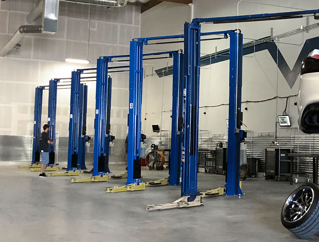 Lifts are in!!