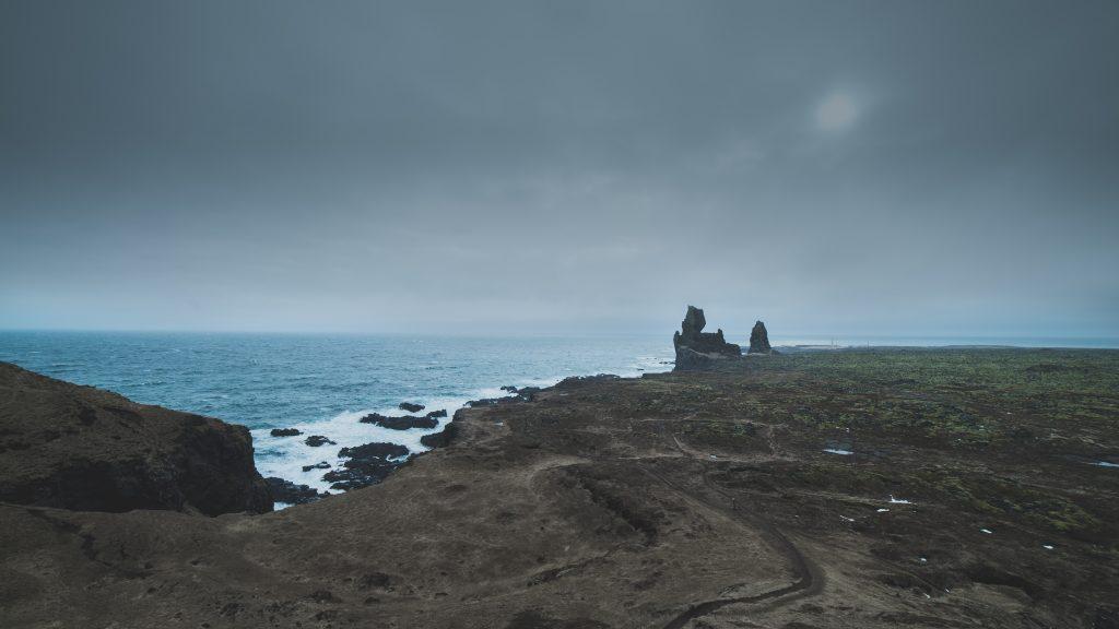 iceland cliffs