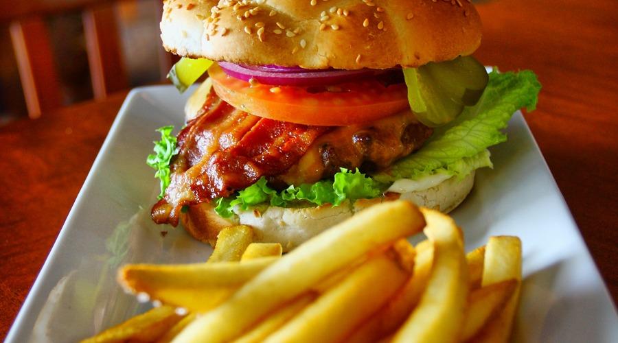 Homepage_Burger_The_Hideout_RedDeer