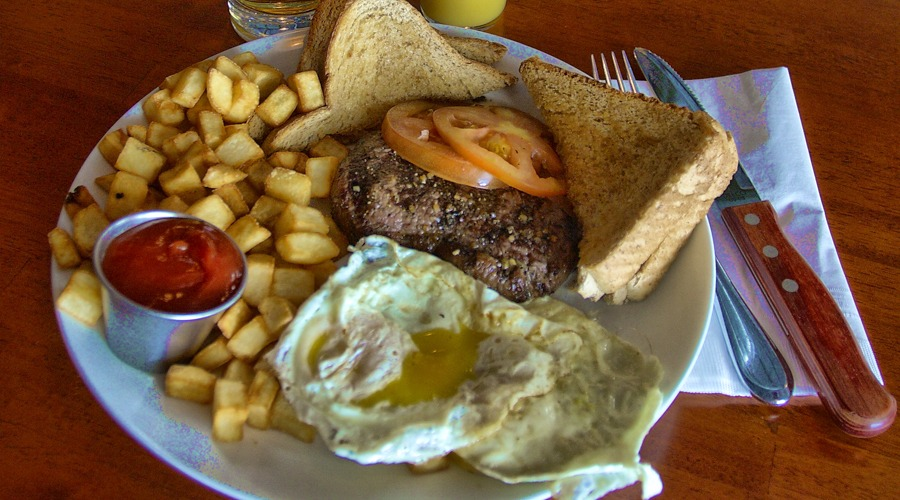 Homepage_SteaknEggs_The_Hideout_RedDeer