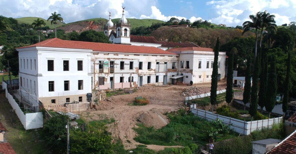 Vista dos fundos do prédio do Museu Vila de Vassouras