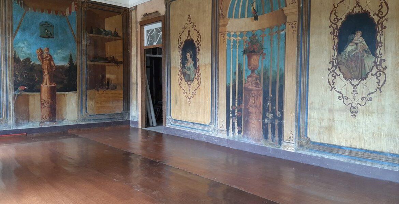Na sala de jantar da Casa do Barão de Itambé, o mural do pintor decorador catalão José Maria Villaronga; leia mais no nosso blog | Foto: A Casa Senhorial